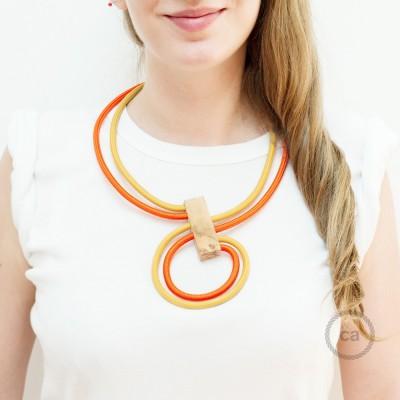 Infinity, justerbart halsband Senapsgul RM25 och Orange RM15.
