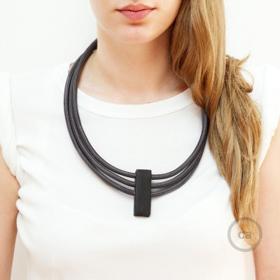Circles, justerbart halsband i Mörkgrå RM26.