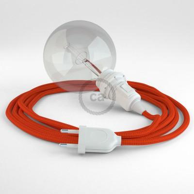 Skapa din egna Snake för lampskärmar med textilkabeln RM15 Orange och få ljuset dit du önskar.