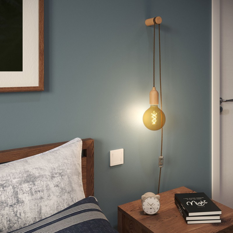 Snake, wiring with wooden lamp holder, plug and switch complete with Rolé wooden cable clip